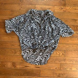 Guess zebra print button up short sleeve blouse